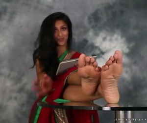 Indian Girl Feet - Sexy Girl..